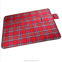Custom cotton picnic blanket portable folding roll-up waterproof beach blanket