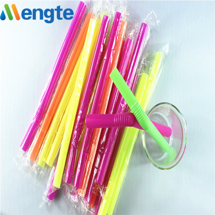 New flexible drinking straw