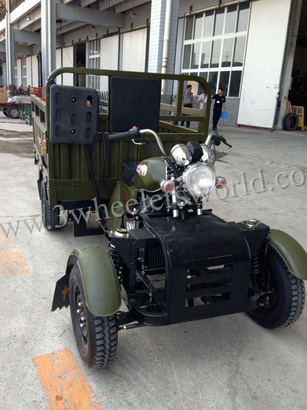 Brand New Design Four Wheels Motorcycle Sale in China Manufacturer