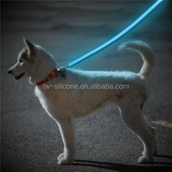 Quick Release Flexi Dog Running Leashes At Night Electric Dog Leashes