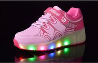 2016 Hot selling breathe tennis roller skates led light up sports shoes 2 wheels