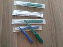 Disposable medical plastic handle surgical scalpel