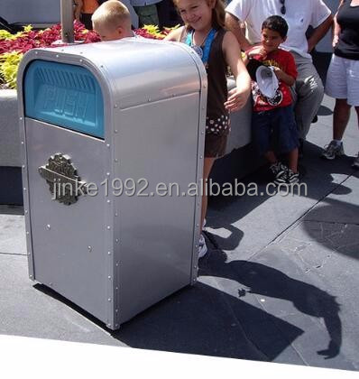 JINKE Plasic middle pedal dustbin, step on yard waste bin with wheels for Doha Park