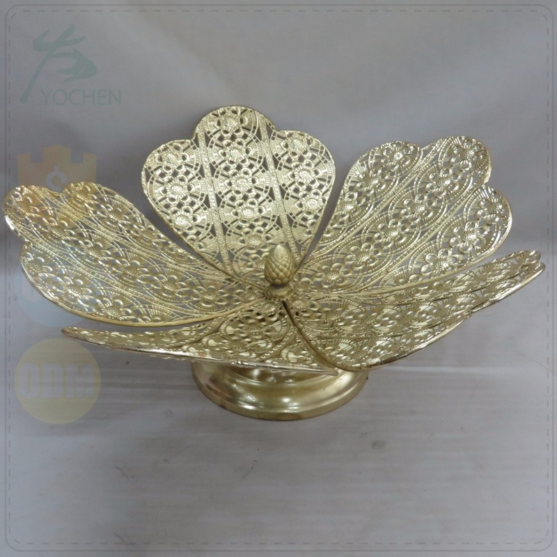 Table Stand Electro plating Gold Metal Crown Candle Holder for Gift
