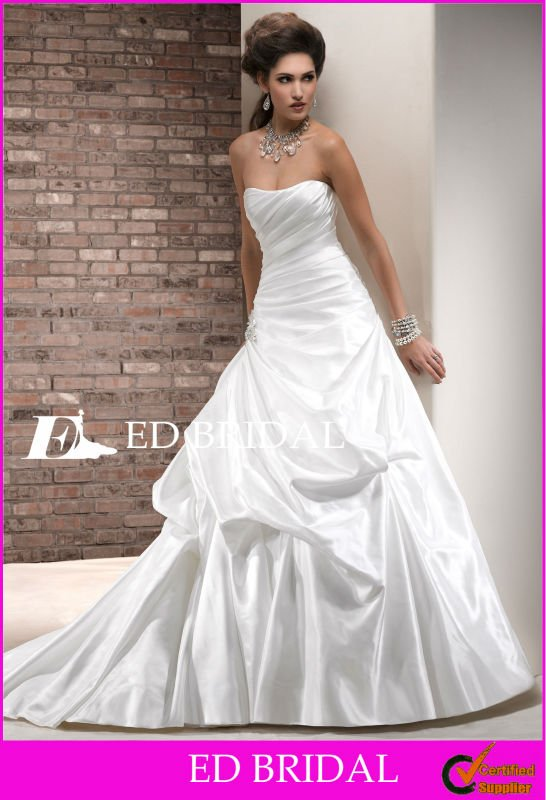 A-Line/Princess Strapless Chapel Train Taffeta Ruched Bodice Ruffle Skirt New Model 2012 Wedding Dress