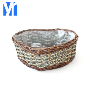Handmade heart shape cheap wicker flower pot with plastic for plant and home decoration