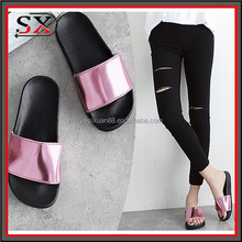 China suppliers ladies shoes fashion shiny PVC slide sandal outdoor slipper