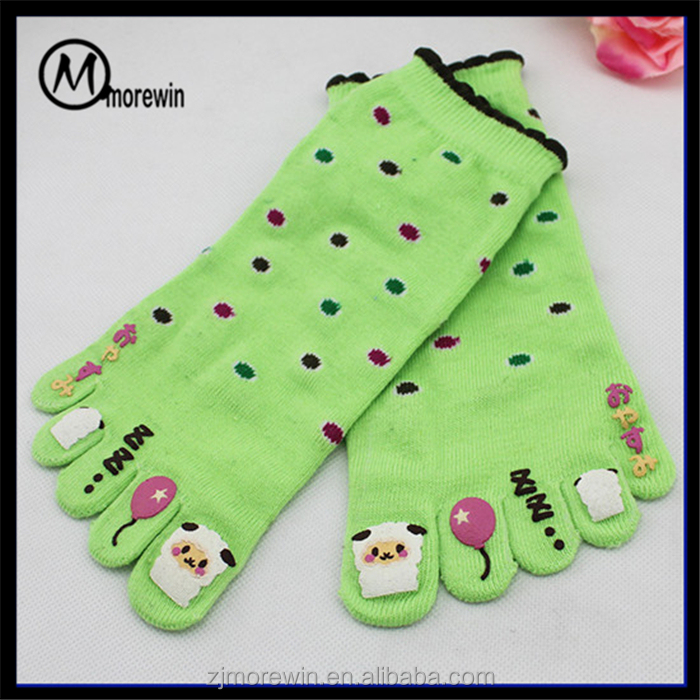 Morewin Amazon supplier custom cartoon offset printing light green ankle girls' sock wholesale colorful polka dots five toe sock