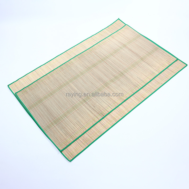 Low price summer sleeping mat straw rug with binding roll up sleeping mat with texture on surface