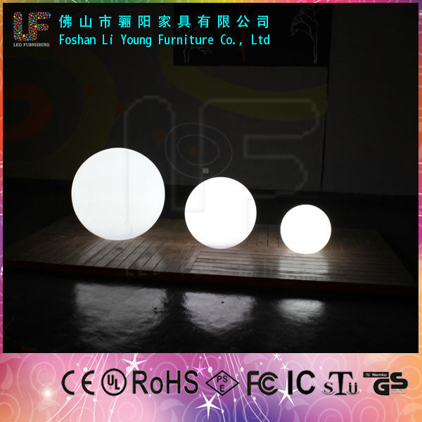 Floating LED Small Swimming Pool Lighting Ball 16 Colors Waterproof IP68 LED Decoration Rechargable RGB LED Glowing Ball