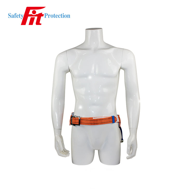 Construction safety belts with retractable lifeline