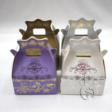 wholesale new style fancy favour hot stamping packaging box with handle