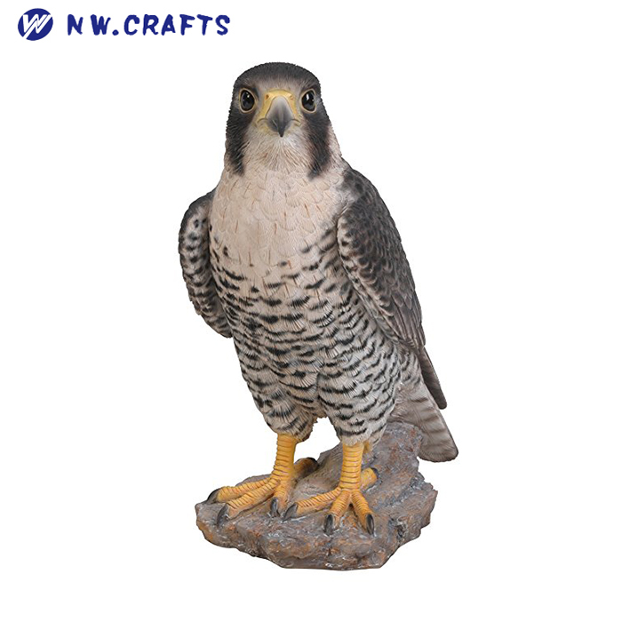 Vivid Wild Birds Arts Peregrine Falcon Statue Resin Ornament Home and Garden Decoration for Sale