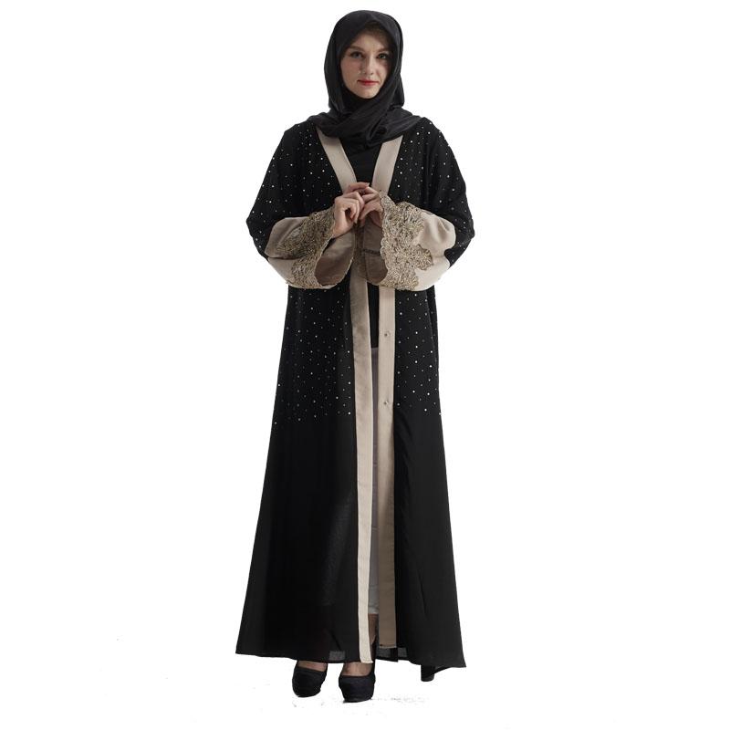 Robe dentelle noire accessoires