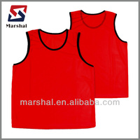Red custom sublimation soccer vest,Hot Sale Cheapest Mesh Football Training soccer Vests, Reversable Soccer Bibs