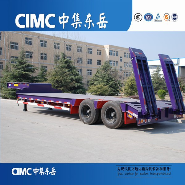 Sinotruck Tractor Hauling Heavy Duty 2 Axles Lowbed Trailer sale