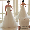latest traditional top quality white sweetheart nickline ball gown wedding dress