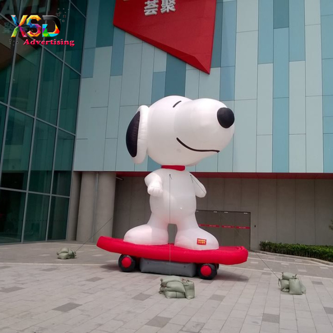 Inflatable christmas snoopy cartoon model / giant inflatable snoopy with skateboard