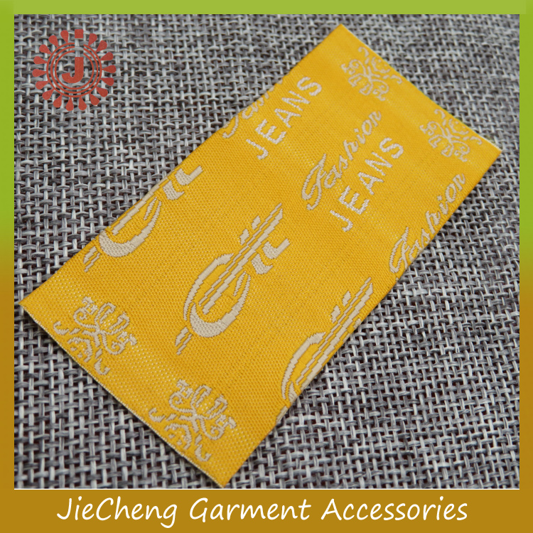 China customize brand name fabric cloth garment label woven cheap clothing labels private label clothing