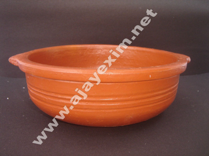 Clay Cassorole Fish Curry Pot