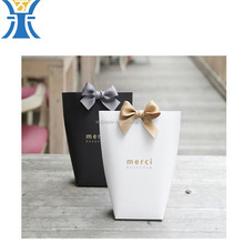 Chinese Supplier New Products White Gift Paper Bag With Silk Ribbon
