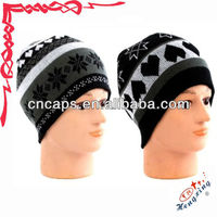 Heart amp snowflake knitted beanie hat headphones