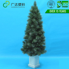 Low Price artificial tower big christmas tree decoration