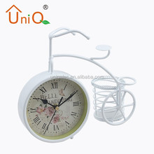 MA0017 unique aluminum table clock for home decor
