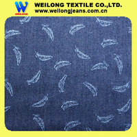 Q010-Y2 thin light weight 100% cotton feather printed indigo blue denim fabric for T-shirt cloth