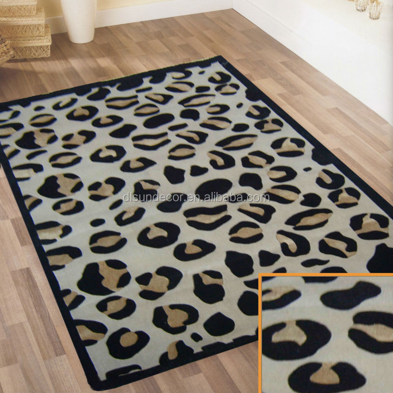 Modern wool and silk pile hand tufted carpet