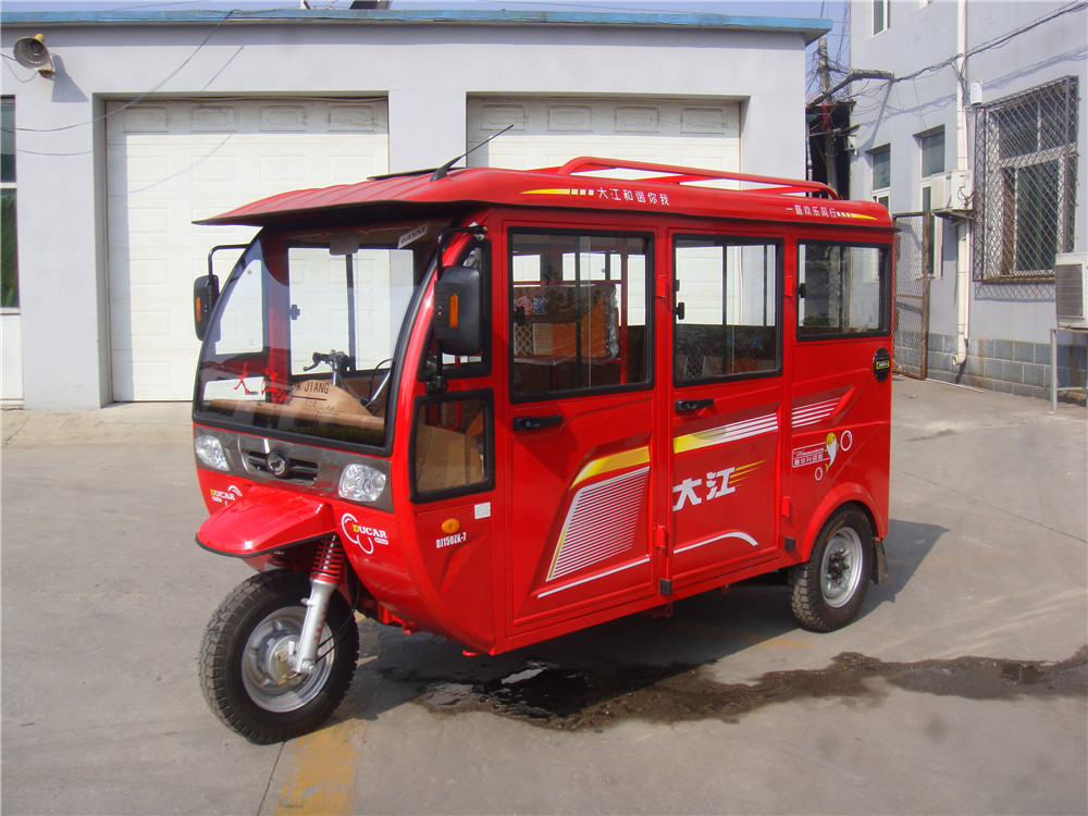 big size close cabin passenger motortricycle in low price