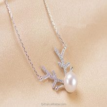 Luxurious Sterling Silver Pendant Jewelry Antlers Shape Natural Freshwater Pearl Pendant Necklace