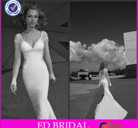 2014 Hot Well White Lace Appliqued Long Sleeve V-Neck Velvet Wedding Dress Patterns Free With Long Train