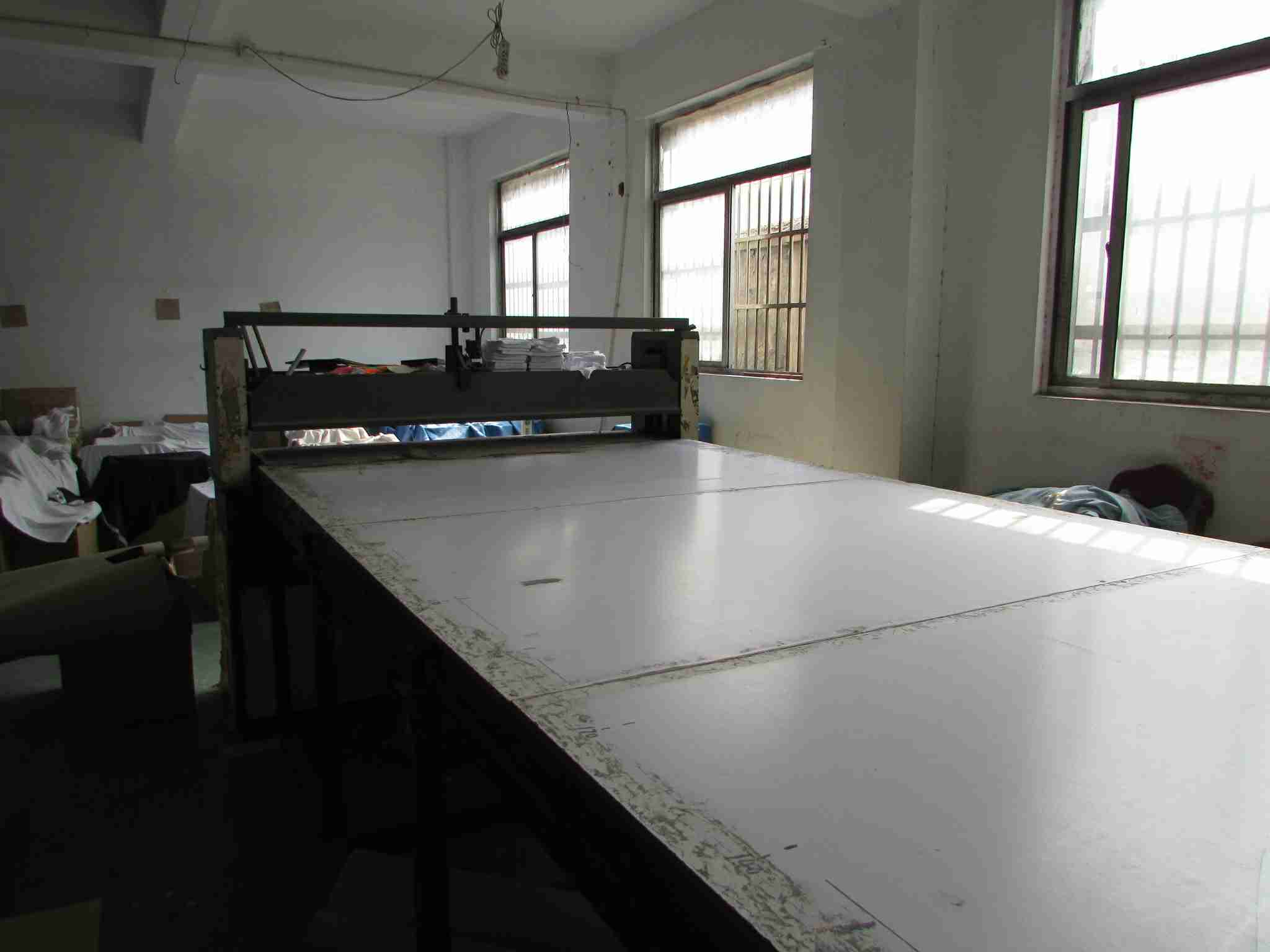 Semi-automatic Mold Cutting