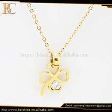 Anniversary Four Leaf Clover Shape Necklaces Gold Plated Jewelry Charms For Ladies