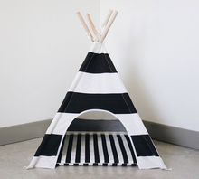 2018 Housewear & Furnishings Yiwu Pet Bed Products Folding dog bed for dog striped dog teepee