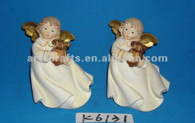 Polyresin angel with violin