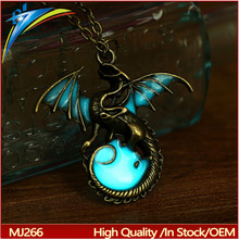 Game of Throne dragon Punk Luminous Dragon Necklaces Glow in the Dark dragon amulet Sweater Chain Gift ancient