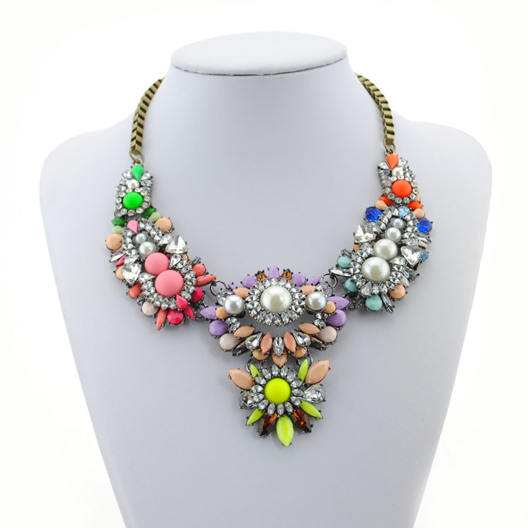 fashionable fast shipping pearl colorful shourouk acrylic necklace for lady