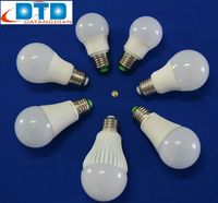 Energy Saving E27 110lm/w LED Bulb Light With SMD2835