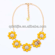 Factory Price Acrylic Yellow Flower Charming Bee Annimal Necklace