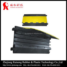 3 channels PE cover rubber cable protector