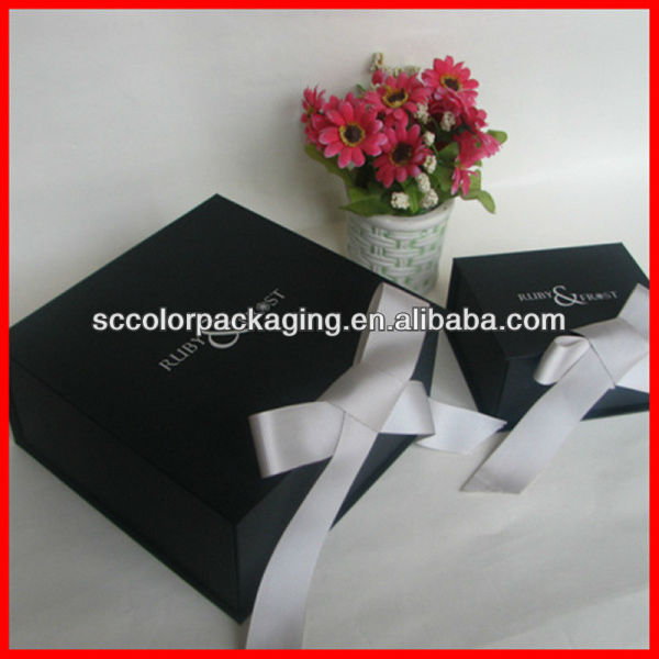 2013 new designed black lamination fold up boxes with white grosgrain ribbon