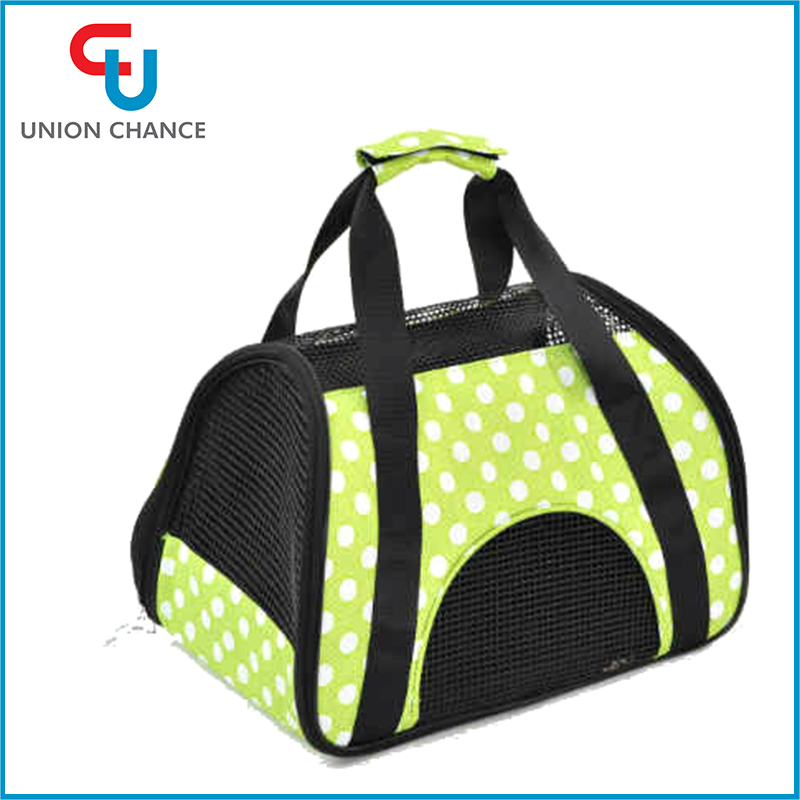 Hot Sale Fashion Small Pet Dog Carry Bag Outdoor Pet Carrier Bags
