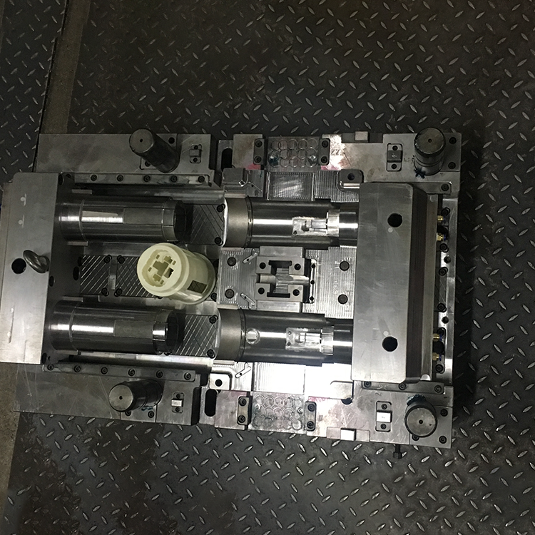 OEM Service Plastic Injection Molding/moulding Steel For auto plastic parts