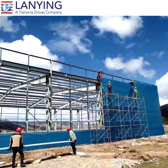 CE certified prefabricated heavy steel structure warehouse with big crane