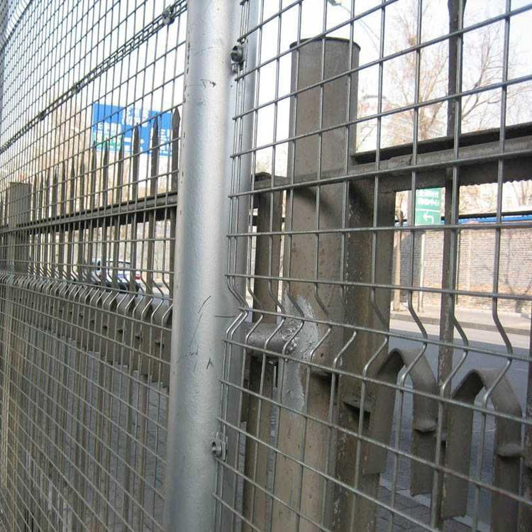 promotional 2013 New Design Colorful PVC coated Welded Wire Mesh Fence with Folds