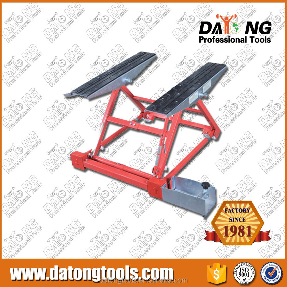1500Kg Mini Tilting Car Lift Machine