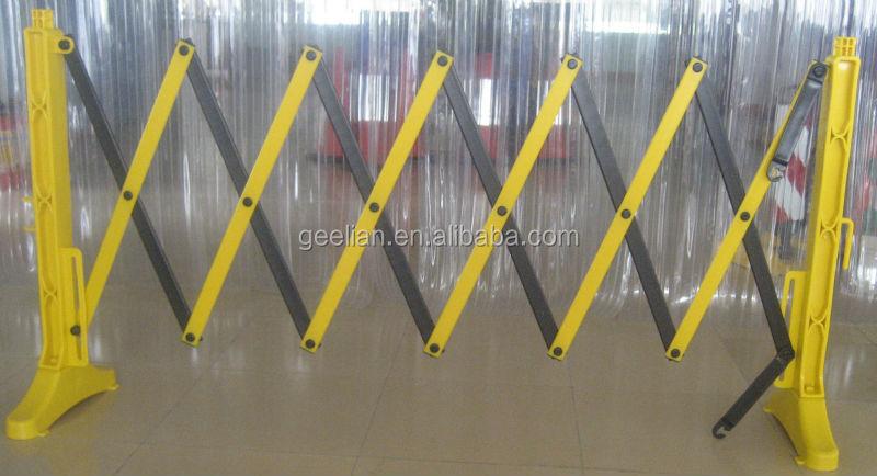 Plastic extensible barricades indoor use