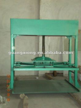 Flatten machine for corrugated paper pressing